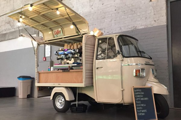 Coffee on Wheels Breda - Barista inhuren