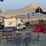 Barista op het strand